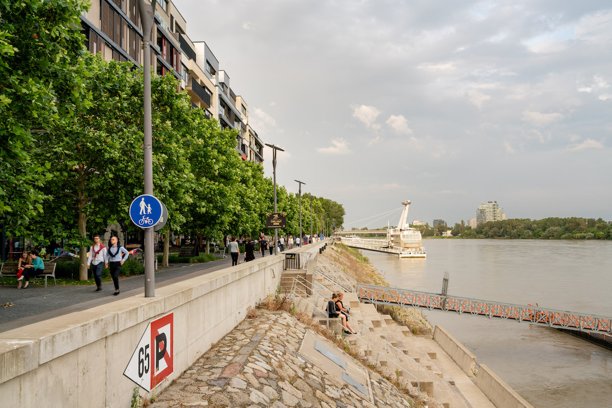 A safe riverside for pedestrians and cyclists